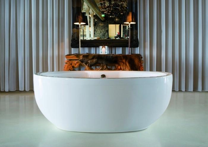 La baignoire ovale les meilleurs id es pour votre salle de bains archzin - Petite baignoire ronde ...