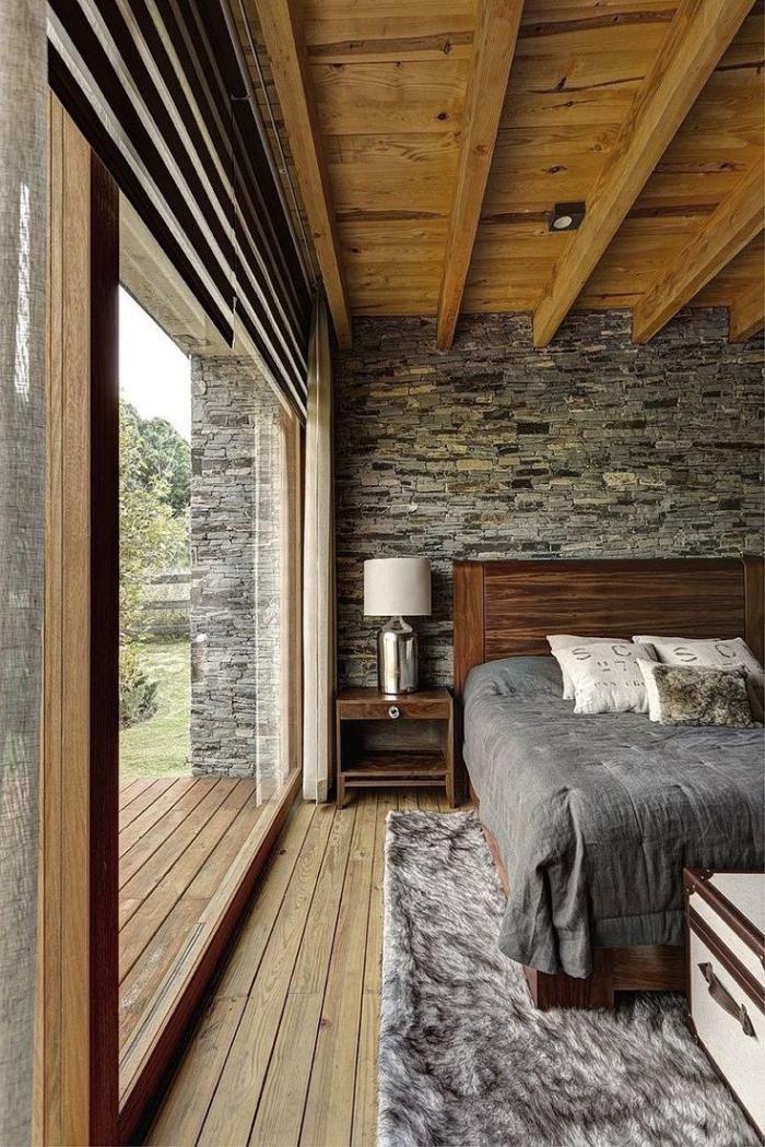 pierre-apparente-chambre-à-coucher-chaleureuse-et-belle
