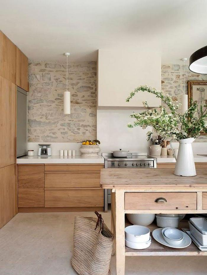 pierre-apparente-cuisine-élégante-déco-bois-et-pierre