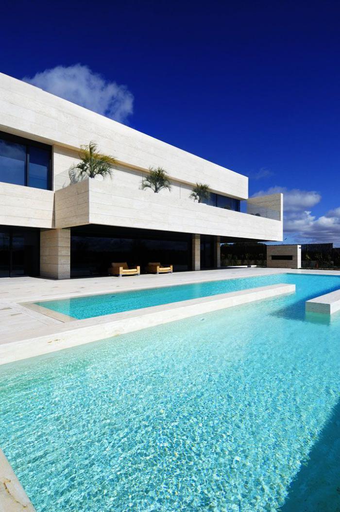 piscine-à-débordement-architecture-fantastique