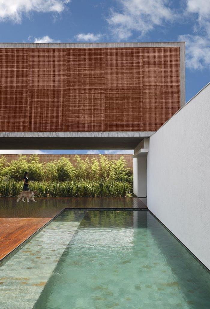 piscine-à-débordement-architecture-moderne-spectaculaire