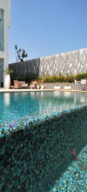 piscine-à-débordement-bassin-mosaique-contemporain