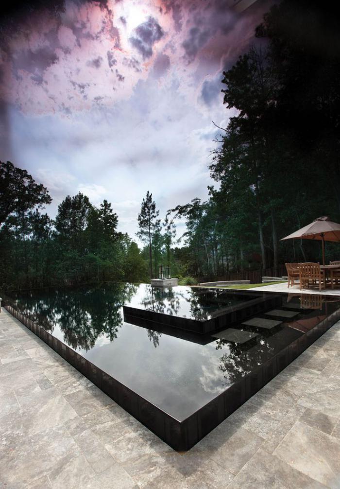 piscine-à-débordement-belle-piscine-contemporaine