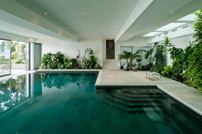piscine-à-débordement-belle-piscine-intérieure