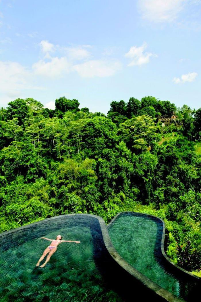 piscine-à-débordement-deux-belles-piscines-infinies