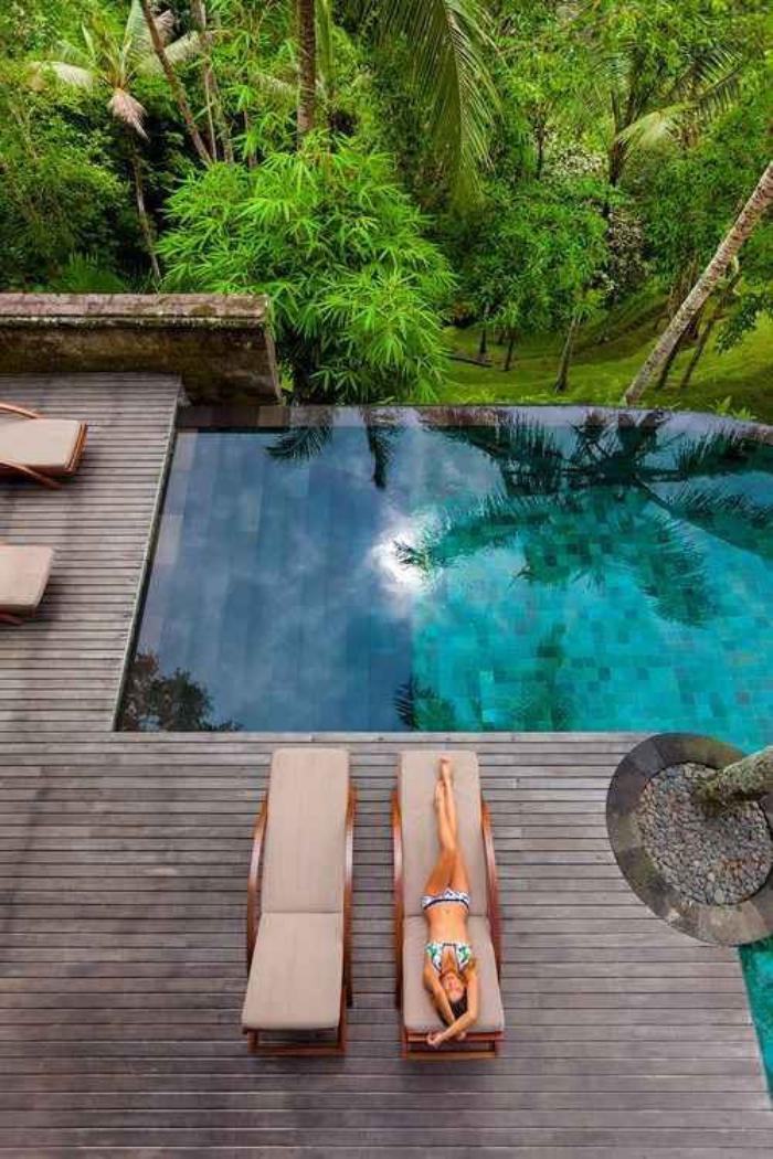 La piscine d bordement belles piscines de luxe for Apprendre a plonger dans la piscine