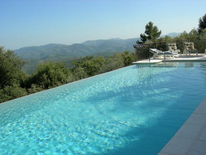 piscine-à-débordement-piscine-infinie-rectangulaire