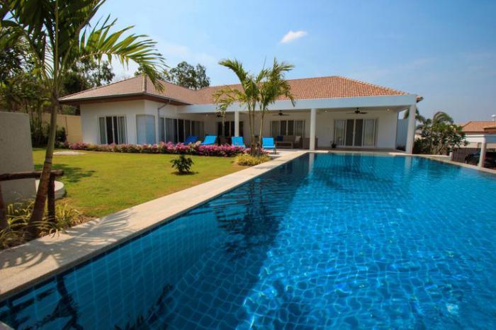 piscine-à-débordement-piscine-moderne-avec-débordement