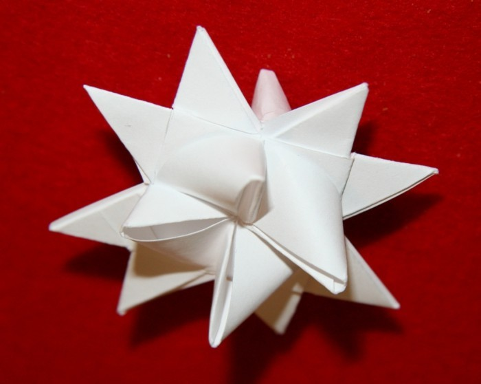 plante-etoile-de-noel-origami-etoile-de-noel-papier