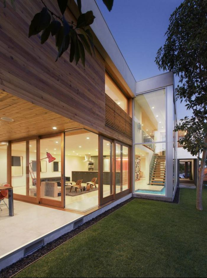 porte-coulissante-en-verre-portes-coulissantes-bois-et-verre-maison-plain-pied