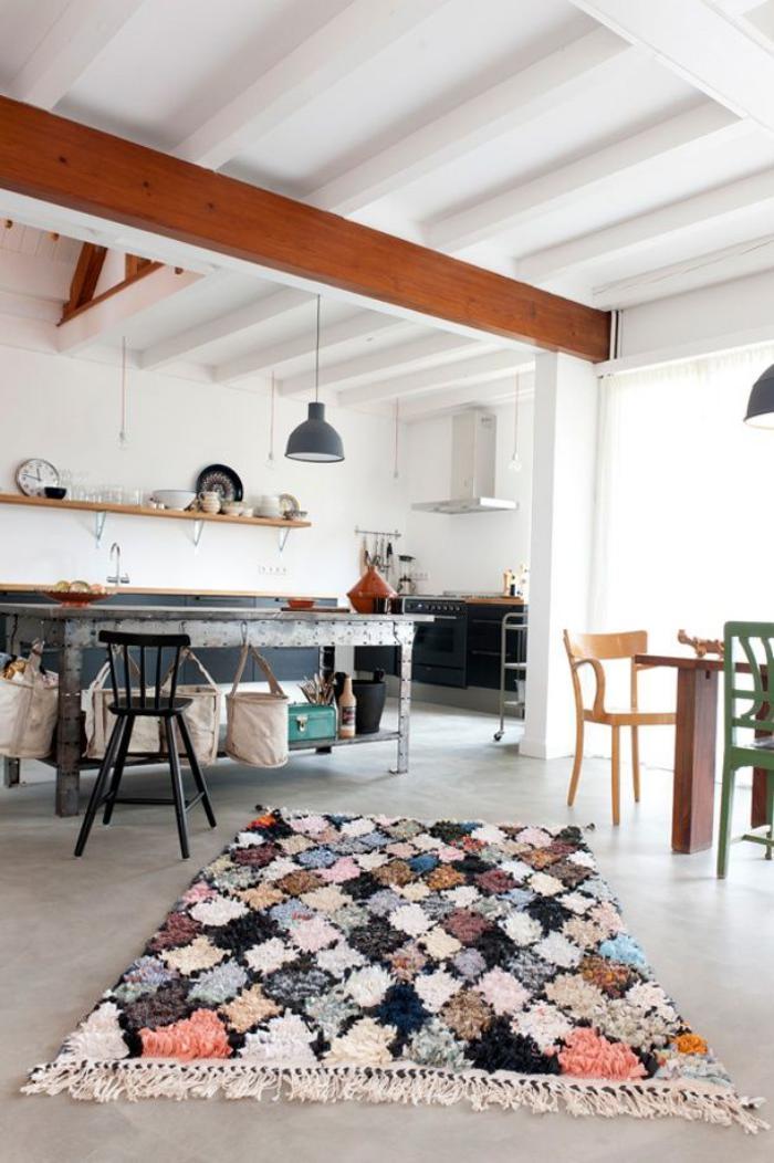 poutre-en-bois-belle-poutre-apparente-de-plafond-blanc