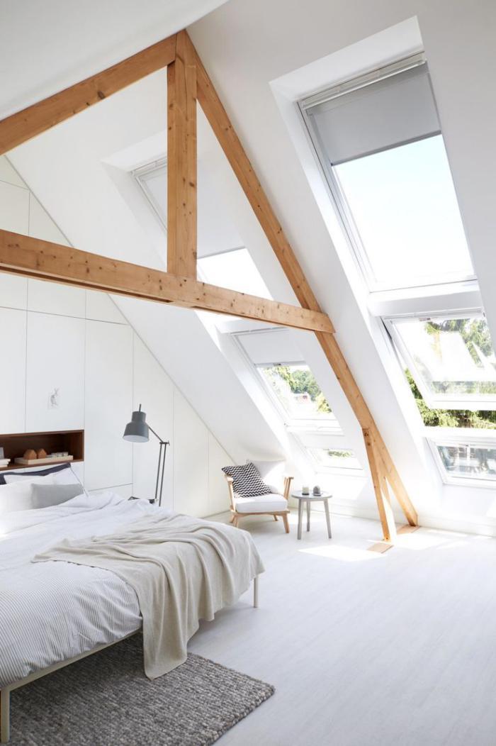 poutre-en-bois-chambre-à-coucher-blanche
