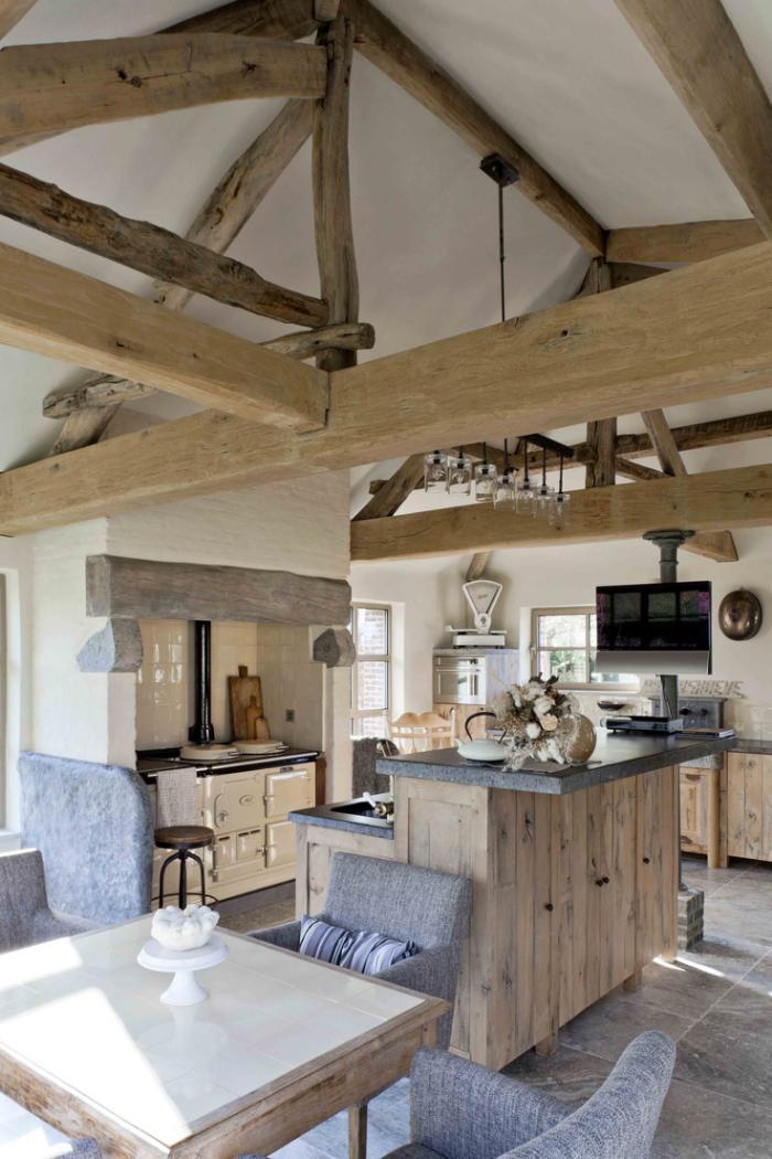 poutre-en-bois-dans-l'intérieur-rustique-moderne