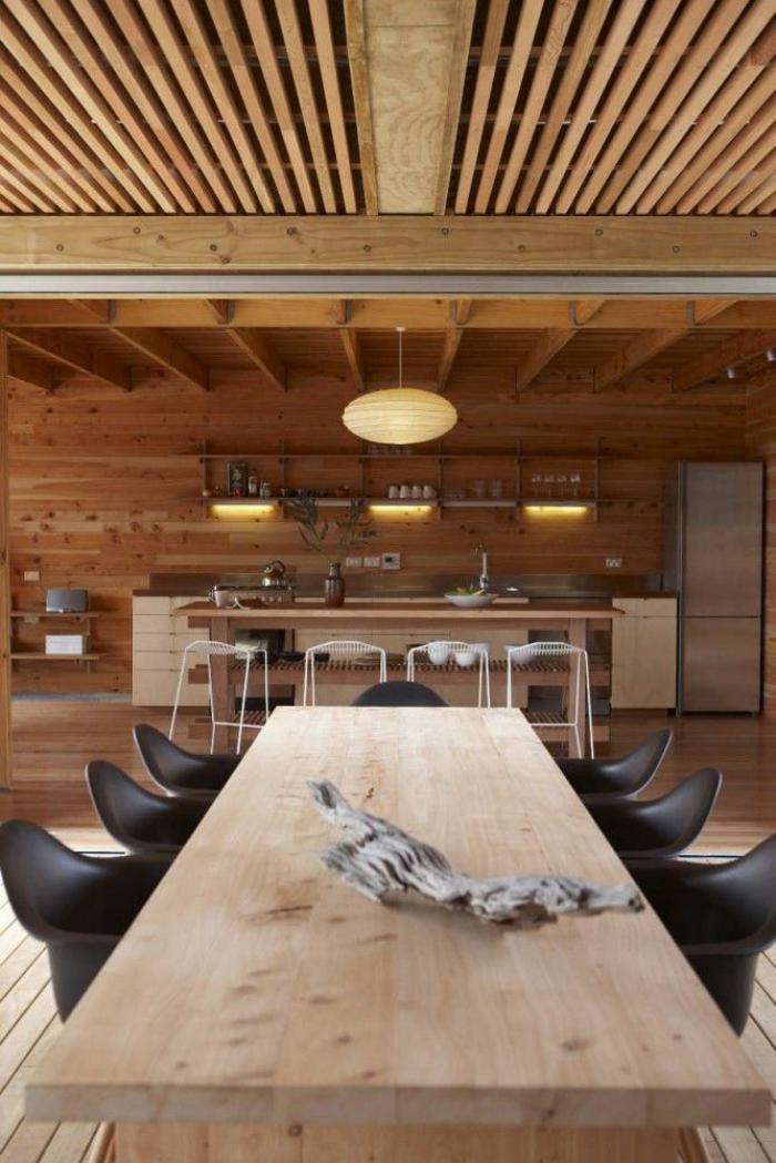 poutre-en-bois-grande-table-de-déjeuner-poutres-apparentes
