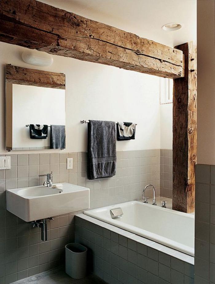 poutre-en-bois-grandes-poutres-vues-dans-une-salle-de-bains
