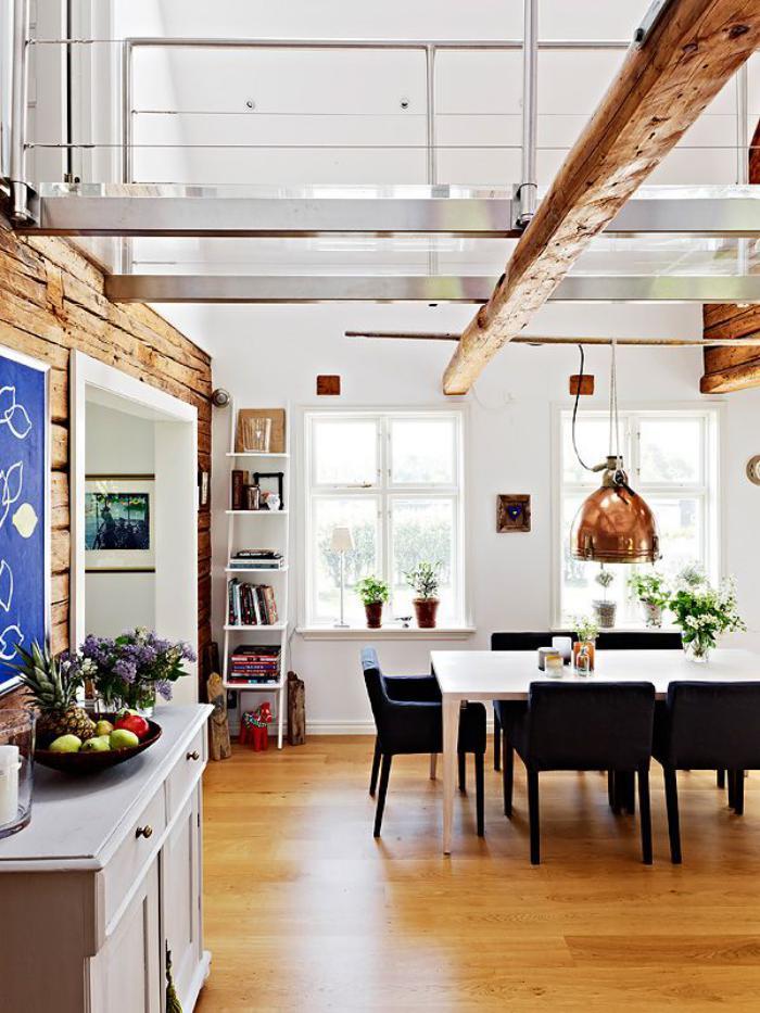 poutre-en-bois-intérieur-vibrant-en-blanc-et-déco-poutres-en-bois