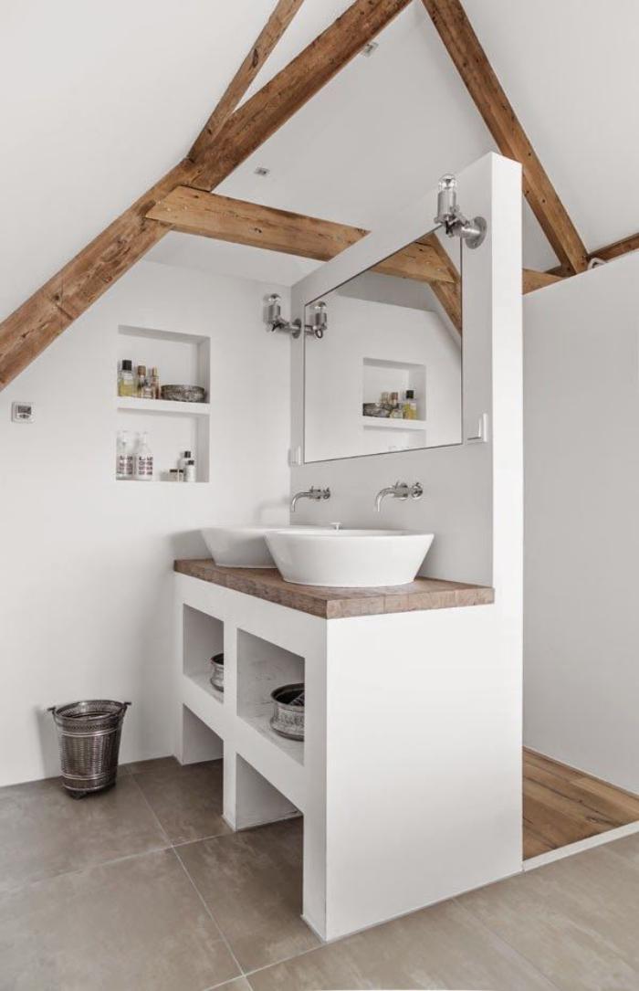 poutre-en-bois-poutres-apparentes-en-beau-contraste-avec-les-murs