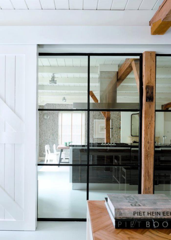 poutres-apparentes-cuisine-loft-contemporaine