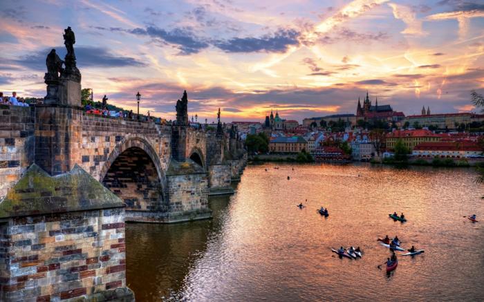 prague-en-republique-tcheque-les-plus-belles-villes-du-monde-image-jolie-resized