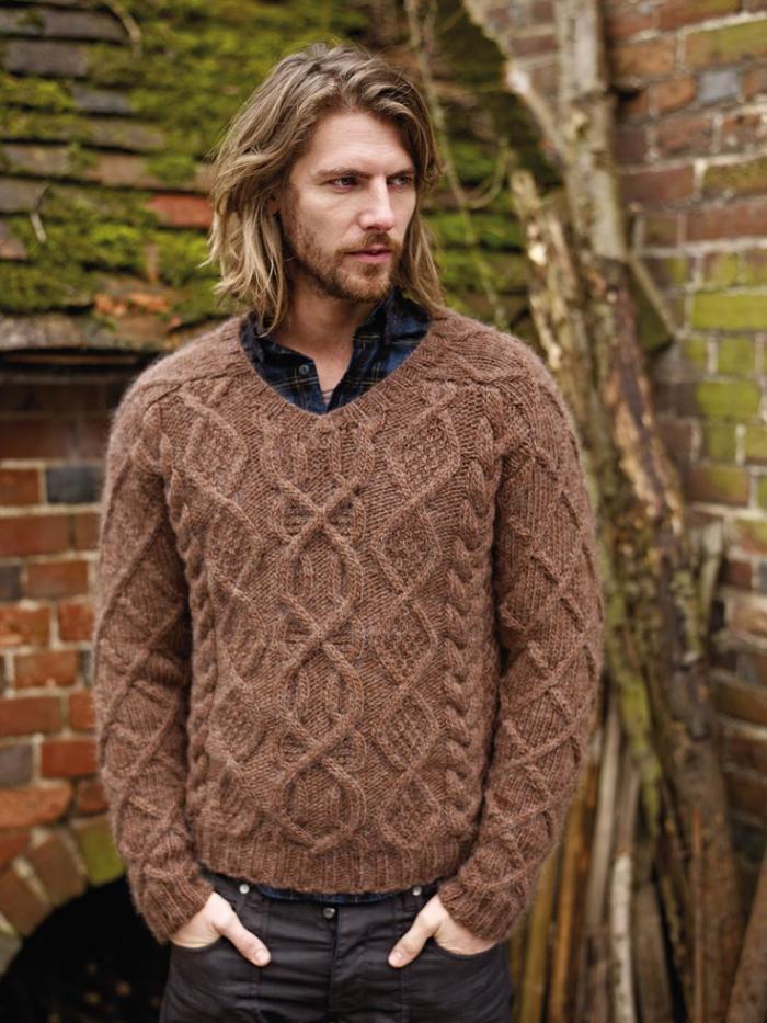 pull-irlandais-en-laine-peinte-marronne