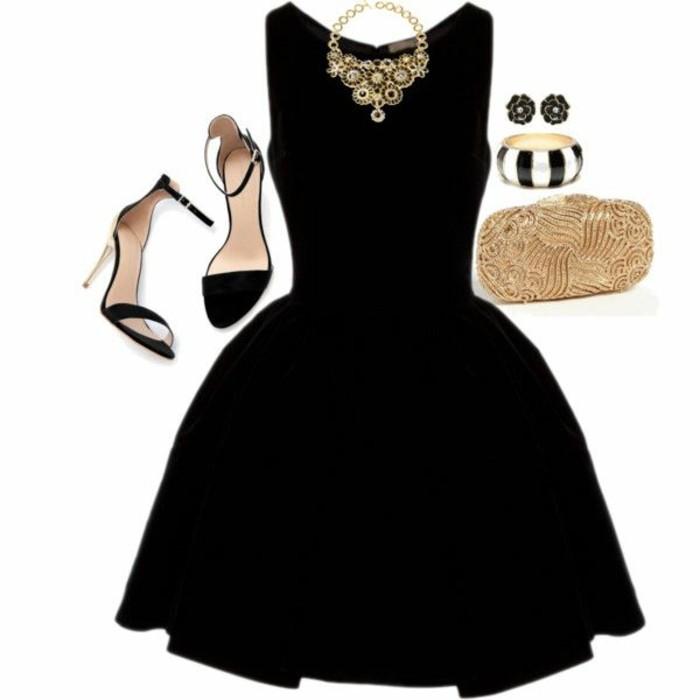 Petite robe noire de cocktail