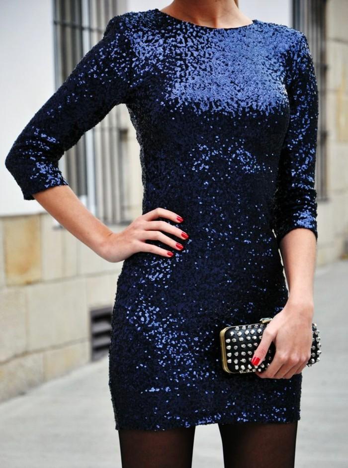 robe-habillée-pas-cher-robe-de-soire-de-couleur-bleu-foncé-sac-noir-pour-les-filles-modernes