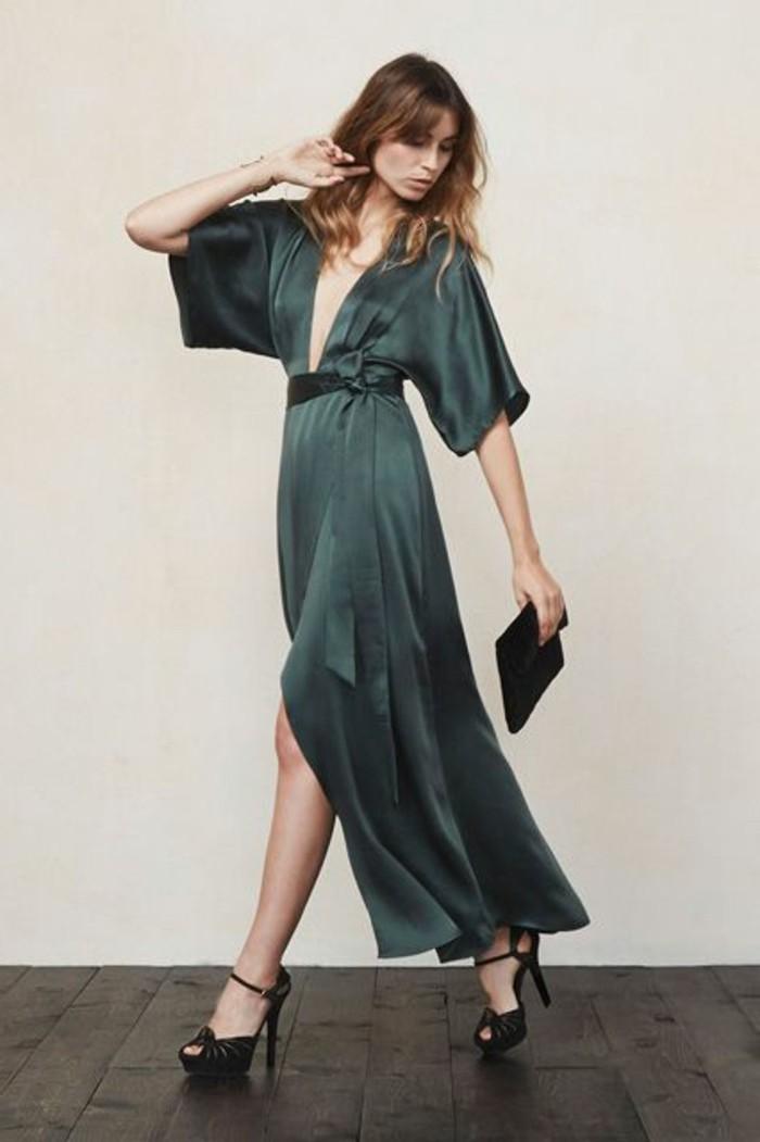 robe-habillée-pas-cher-robe-de-soire-de-couleur-vert-foncé-et-talons-hauts-noirs-pour-l-hiver