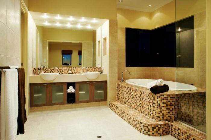 salle-de-bain-contemporaine-baignoire-design-contemporain-luxueuse-mosaique