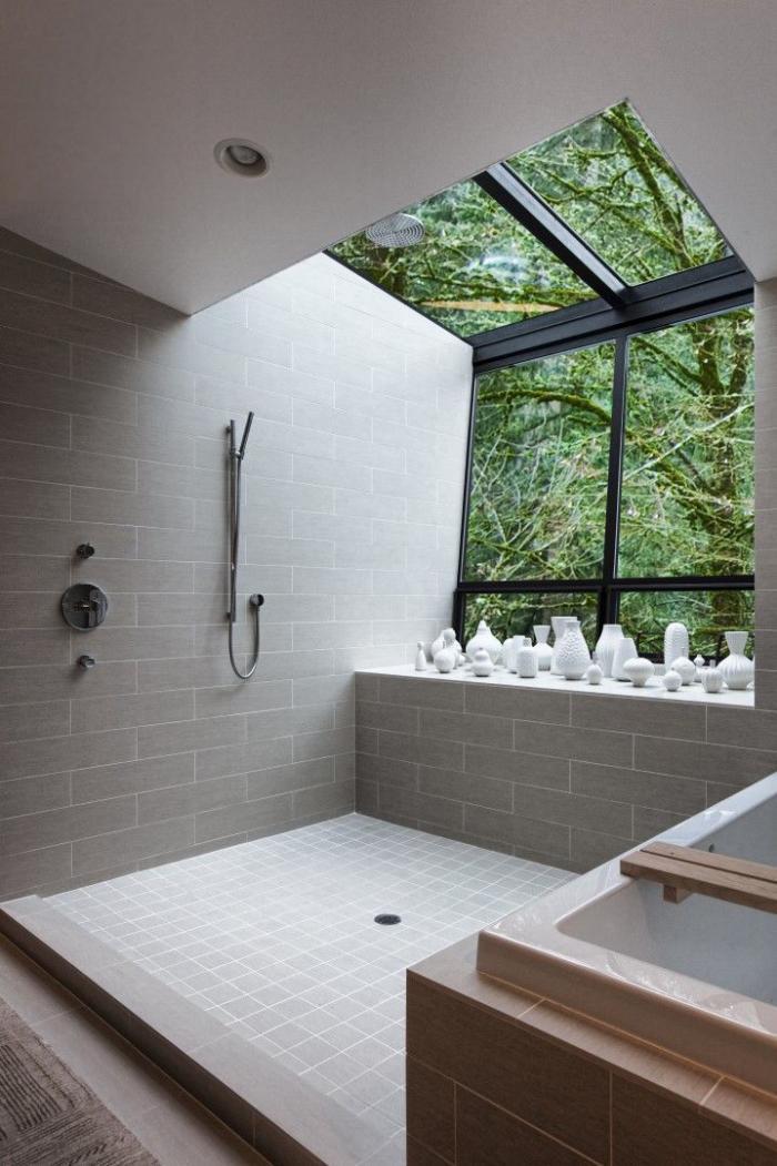 salle-de-bain-de-reve-douche-à-l'italienne-et-baignoire-rectangulaire