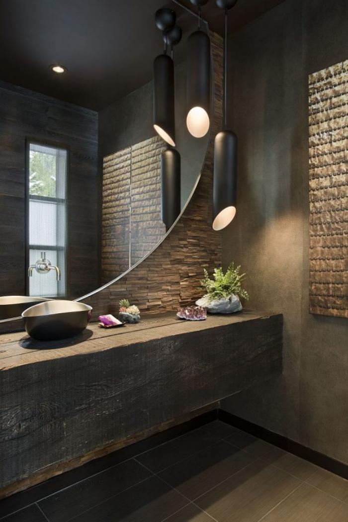 salle-de-bain-de-reve-matériaux-naturels-et-grand-miroir