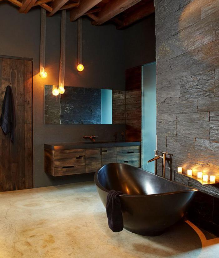 salle-de-bain-de-reve-parement-pierre-naturelle-et-baignoire-noire