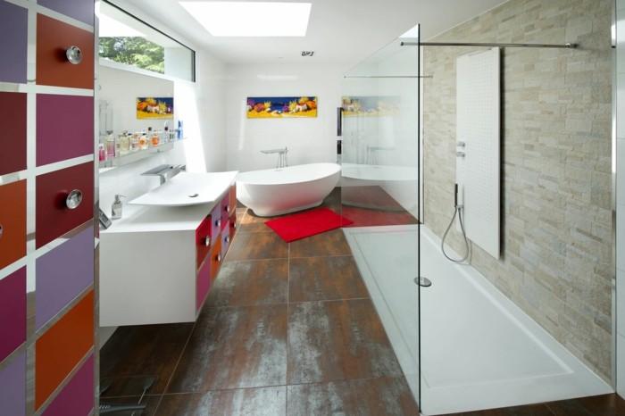 salle-de-bains-baignoire-ilot-ovale-petite-baignoir-coloré-salle-de-bain