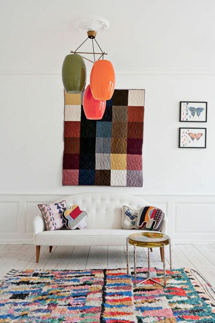 salon-art-avec-tapis-saint-maclou-tapis-lesage-coloré-sol-en-planchers-en-bois-beiges