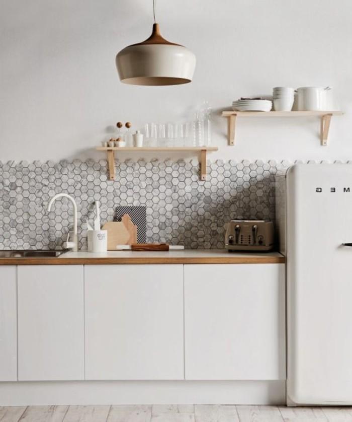 simple-idée-pour-la-cuisine-jolie-en-blanc-lustre-bois