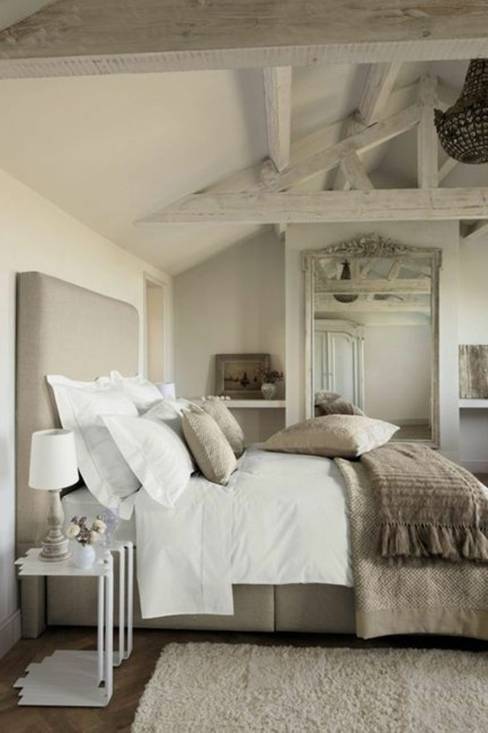La t te de lit originale en 46 photos for Chambre couleur taupe et beige