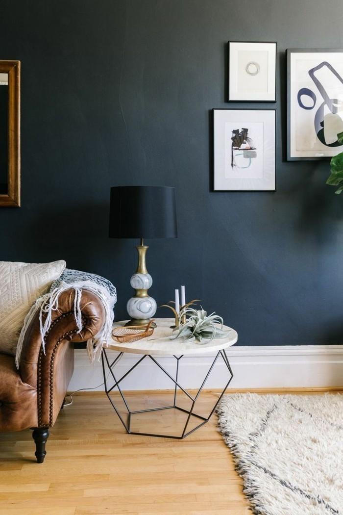 table-basse-design-fly-table-basse-avec-plateau-en-marbre-blanc-et-canape-en-cuir-marron