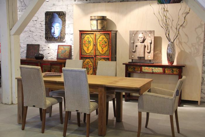 table-en-teck-salle-de-déjeuner-style-zen