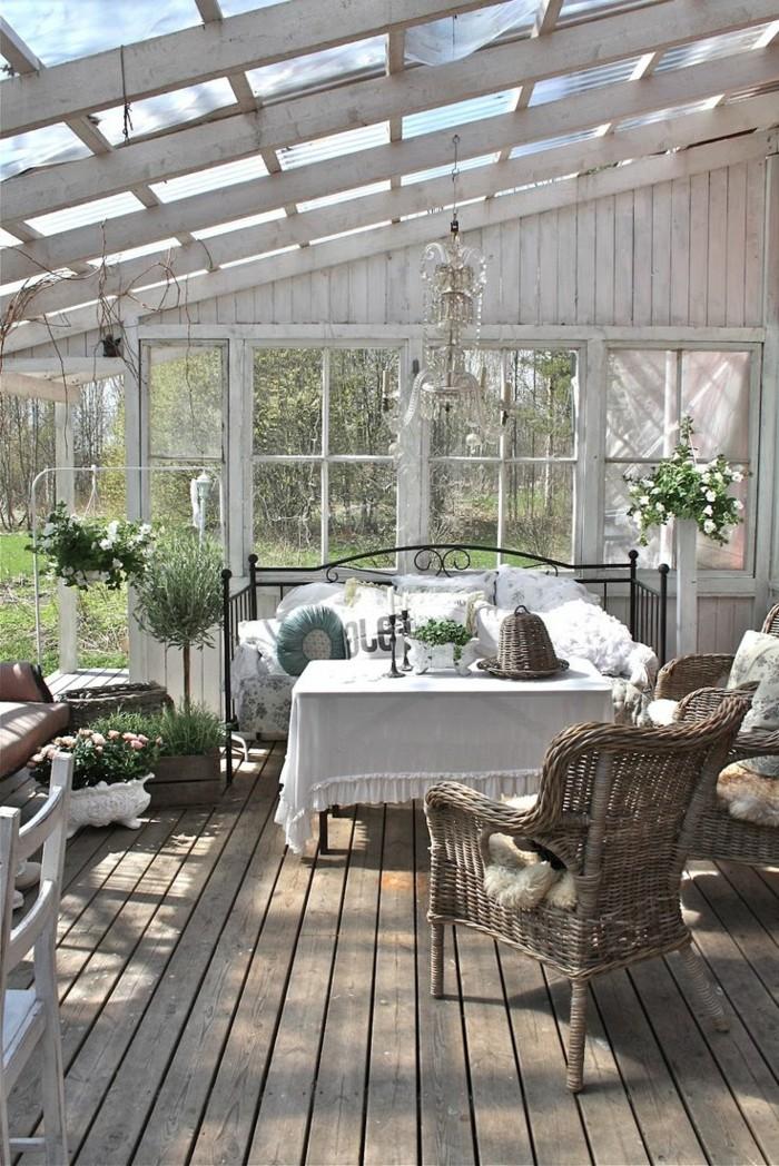 terasse-bioclimatique-veranda-bioclimatique-pergola-bioclimatique-plafond-en-verre-et-bois