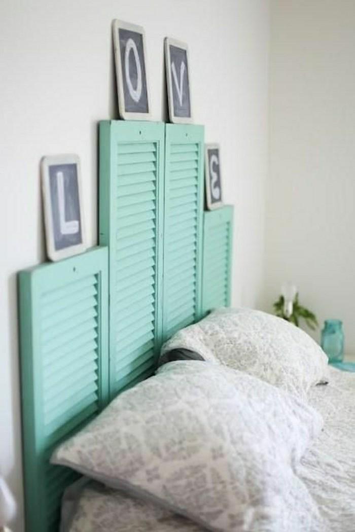 tete-de-lit-en-bois-bleu-clair-tetes-de-lit-design-pour-la-chambre-a-coucher-moderne