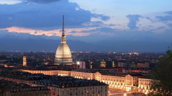 torino-mole-vue-hauter-les-plus-belles-villes-d-italie-à-visiter-resized