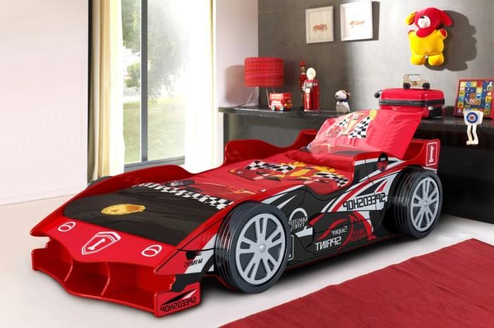 un-lits-voiture-garcon-lit-cars-voiture-lit-en-voiture-garçon-chambre-d-enfant-rouge-cool