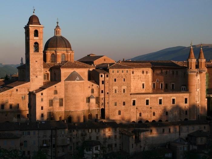 urbino-bauté-les-plus-belles-villes-du-monde-resized