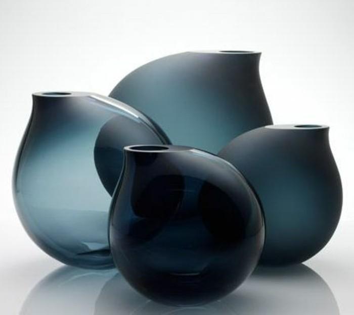 Le grand vase en verre dans 46 belles photos - Vase rond en verre ...