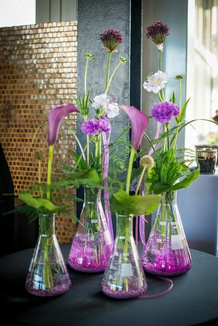 vase-cyclindrique-verre-fleurs-dans-le-vase-en-verre-transparent-comment-decorer-un-vase