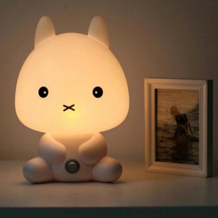 veilleuse-pour-bébé-petit-chaton-blanc