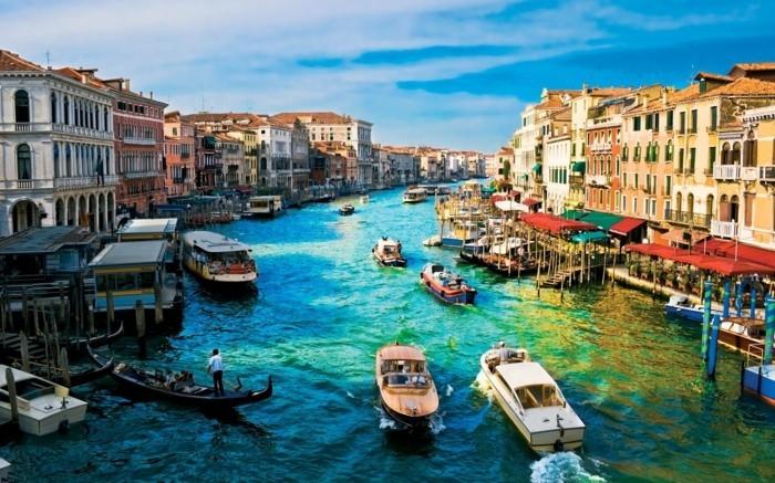 venise-plus-belles-villes-d-italie-très-jolie-resized