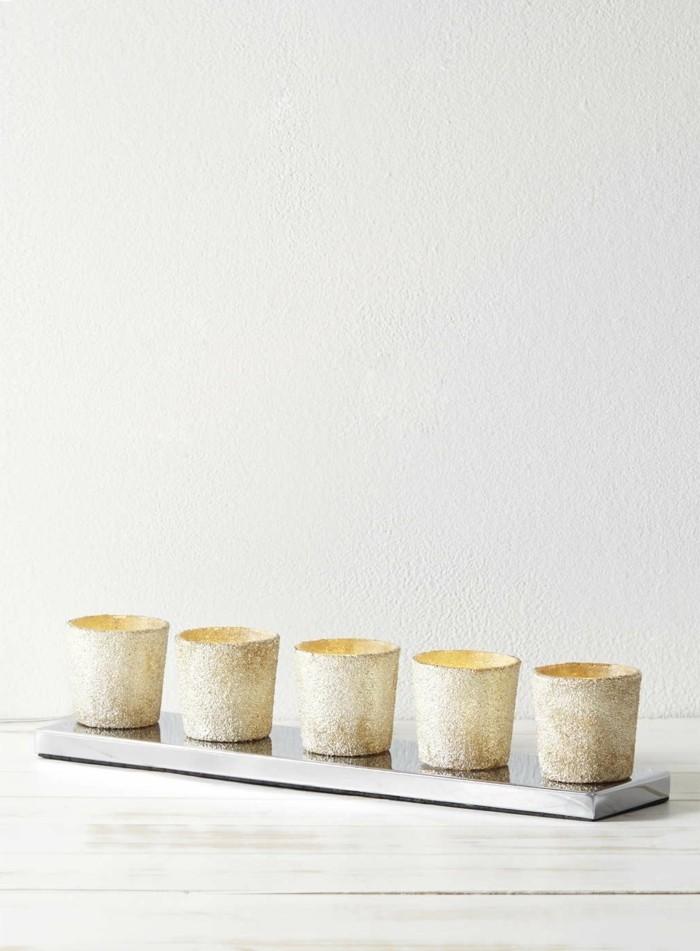 version-les-bougies-dorées-plus-belles-idées-déco-noël-bougie-parfumé-gold