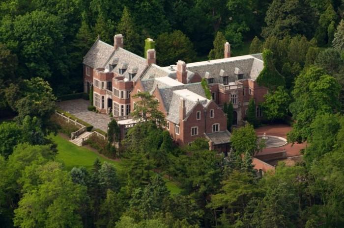 villa-moderne-la-plus-belle-villa-du-monde-contemporaine-chateau-dans-foret