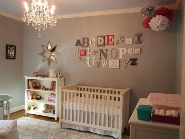 zoe-magique-lustre-design-chandelier-bébé-chambre-cool