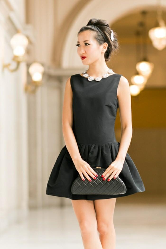 élégante-robe-noire-chic-tenue-chic-la-mode-tendances